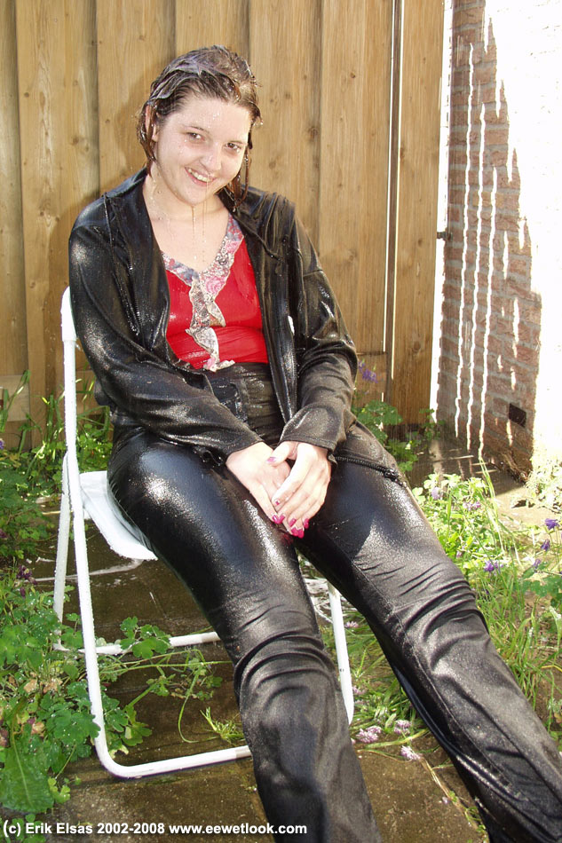 Ee Fully Clothed Wetlook Dvd 2002 E